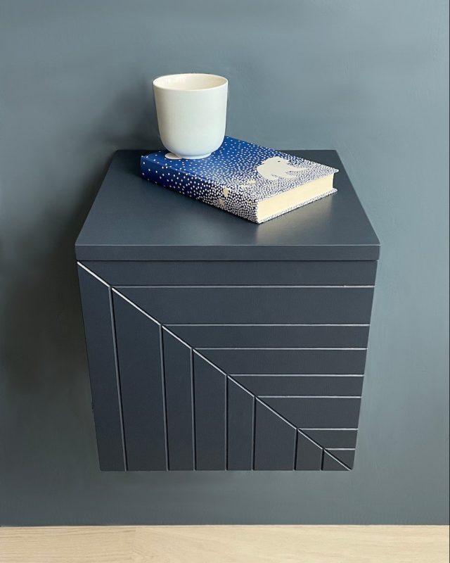 Løv nattbord vegg blå